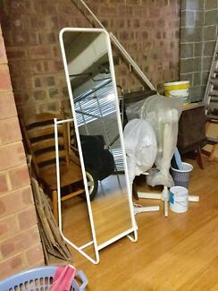 Large light weight, free standing mirror