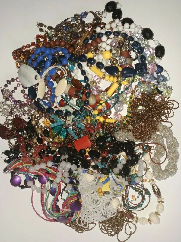 Lot Of Vintage To Now Necklace Grab Bag Glass Stone Acrylic Seed Beads 5lbs