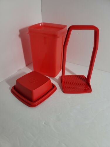TUPPERWARE Pick-A-Deli Container NEW Red FREE US SHIPPING