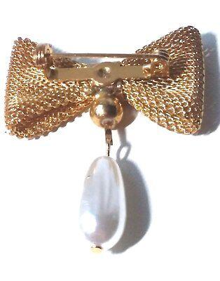 VINTAGE Gold MESH BOW PIN Dangling PEARL BEAD CHARM Brooch -
