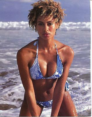 SHAKARA LEDARD SPORTS ILLUSTRATED MODEL SIGNED MAGAZINE AD AUTOGRAPH SEXY !