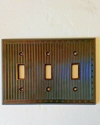 NEW Bryant art deco BROWN Switch Plate Cover  3 Gang Ribbed Bakelite 3 pc. LOT