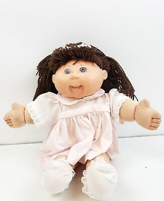 Cabbage Patch Kids doll girl Play Along Hong Kong 2004  brown hair blue eyes
