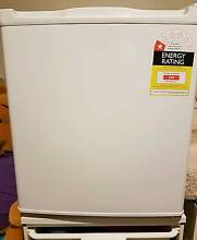 GVA GVADF1-06 42L Bar Fridge For Sale in Excellent Condition Thornleigh Hornsby Area Preview