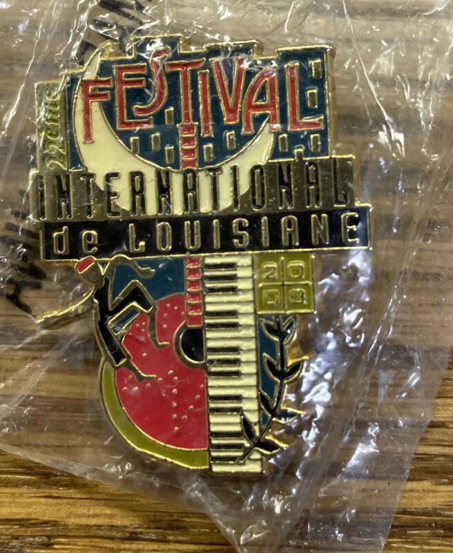 FESTIVAL INTERNATIONAL de LOUISIANE Vintage PIN PINBACK Lafayette Louisiana