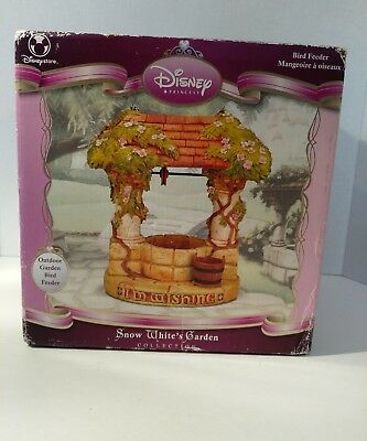 Disney Store Snow Whites Garden Bird Feeder Wishing Well Princess Dwarfs NIB New