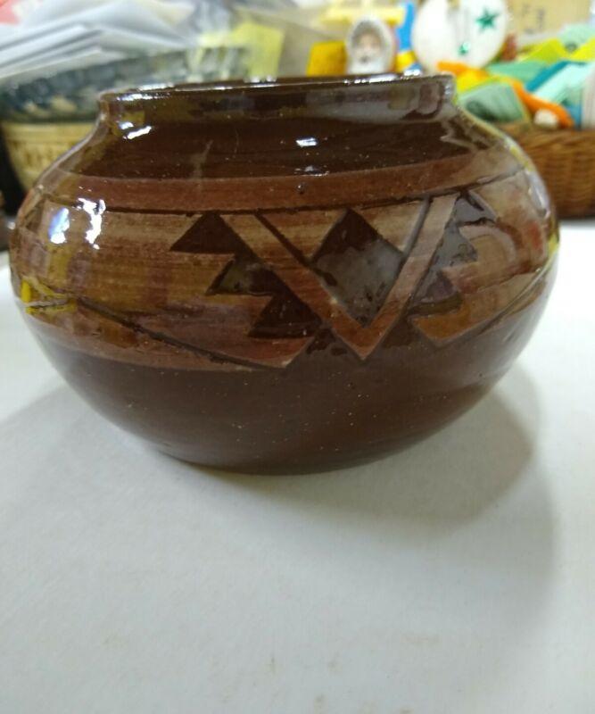 Al Black Tail Deer Sioux Pottery Rapid City SD Pot Design Barb H. SPRCSD