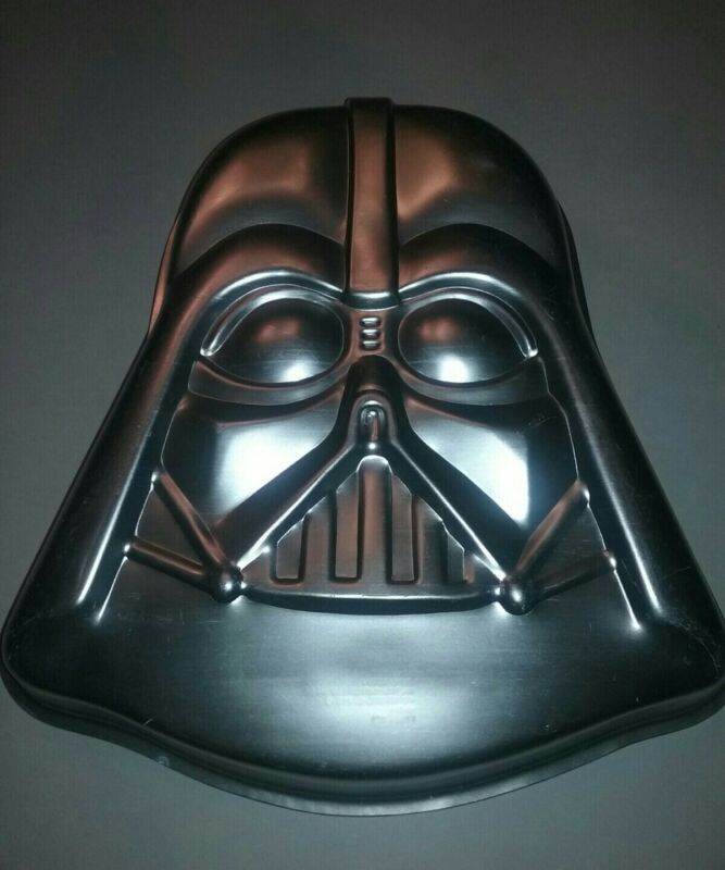 Vintage 1980 Darth Vader Star Wars Aluminum Cake Pan 502-1409