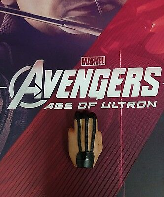 1 6 Hot Toys Age Of Ultron Hawkeye Mms289 Left Palm For Holding Arrow  A