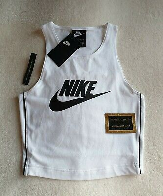 NEW NIKE-  92% COTTON MIX TIGHT FIT CROP TOP SIZE MEDIUM IN WHITE & BLACK MIX