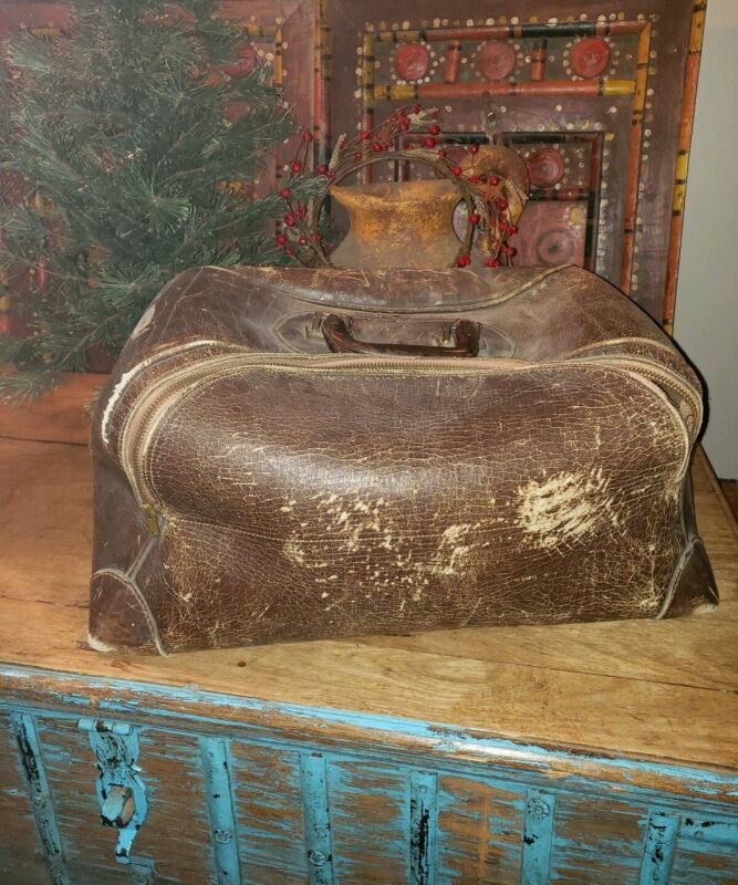 Antique leather big travel bag rustic brown vintage carry all doctor MOVIE PROP