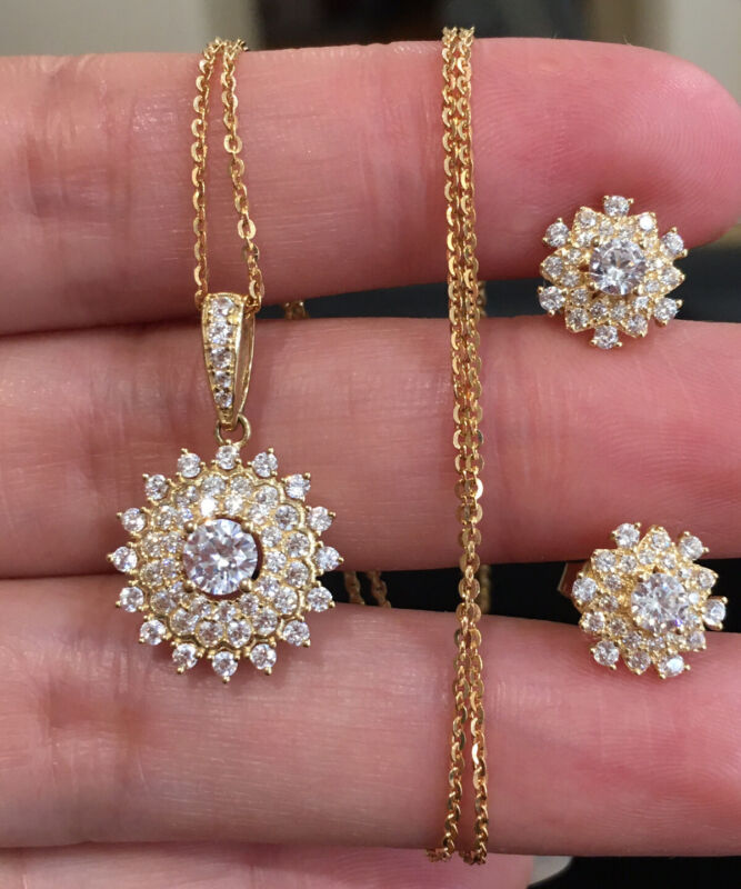 18k Solid Yellow Gold Italian Chain & White stones Earrings and Pendant Set.