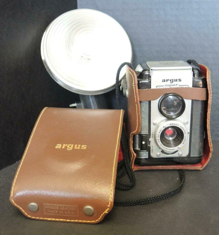 1950s Vintage Argus Super 75 With Flash and Leather Case
