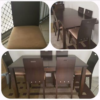 DINNING TABLE  ( PICK UP ONLY ) Rosemeadow Campbelltown Area Preview