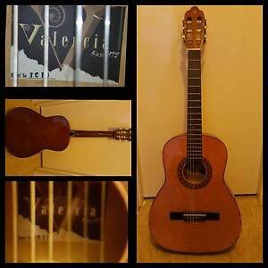 VALENCIA CLASSICAL GUITAR 3/4 TC13 Bicton Melville Area Preview