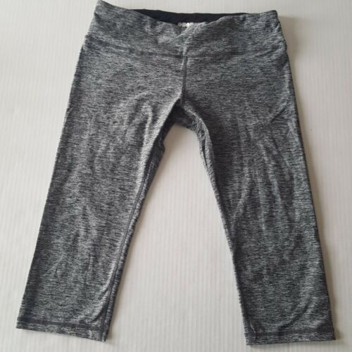 capri length yoga legging pants black gray