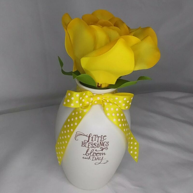 Hallmark Blooming Expressions Little Blessings Bloom Yellow Flower Valentines