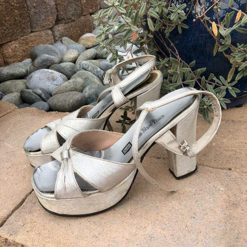 VINTAGE 1976 SILVER WEDGE HEELS/SHOES. Size 8M......CLASSIC DISCO SHOES