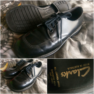 Clarks size 1.5 leather school shoes