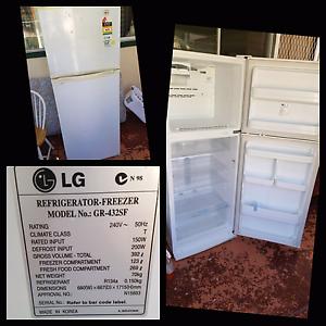 Fridge freezer Gorokan Wyong Area Preview