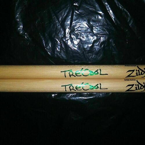 GREEN DAY Band TreCool Signature DRUM STICKS Concert Stage TOUR Drumsticks