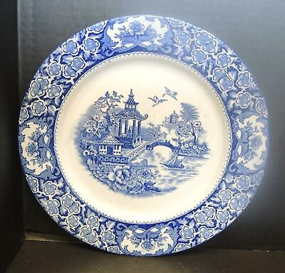Vintage Pair of 1970/'s Old Willow Johnson Bros Pottery 10 inch Dinner Plates some chips Blue and White pattern in reasonable condition