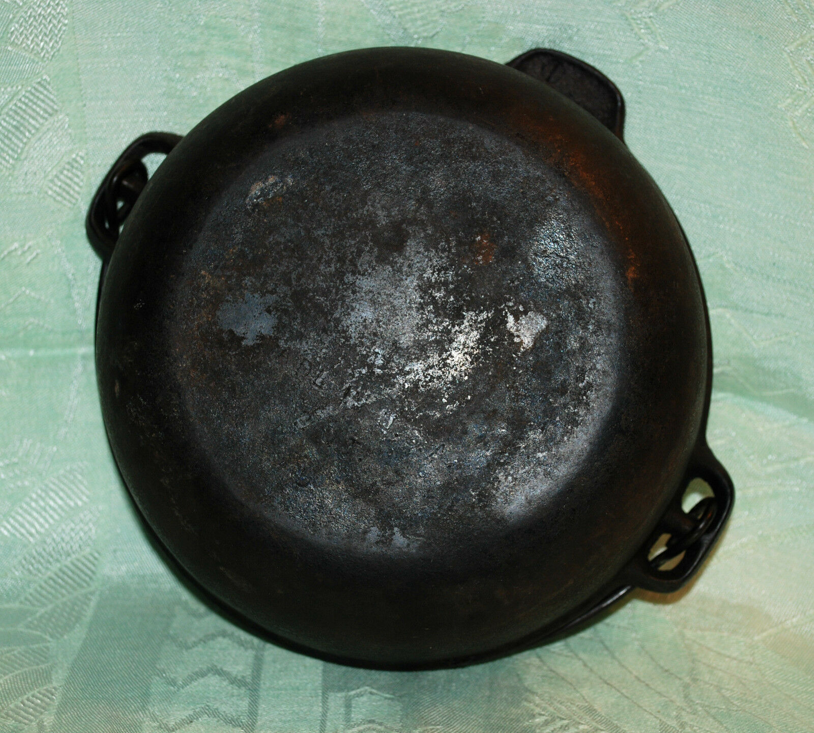 VINTAGE CAST IRON BEAN POT KETTLE CAULDRON & BAIL MADE IN USA 3 QUART SIZE MARK