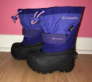 Size 5 Toddler Girls never worn Columbia Boots