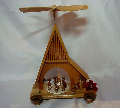 Hübsche alte Erzgebirge Pyramide sieben Zwerge Kerzenhalter Erzgebirge / ay 398