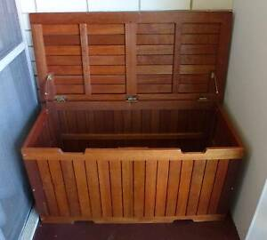 Natural Wooden Outdoor Storage Box/2 Seater Bench -  LIKE NEW! Plympton West Torrens Area Preview