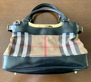 fcbe577a89ada Burberry Purse Handbag - Like New Condition