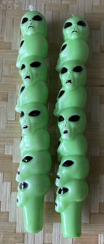 Glow in the Dark Green Alien Heads Candle UFO Extraterrestrial Roswell Vintage