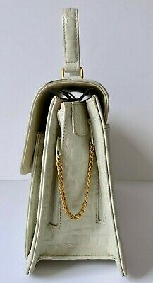 Vintage Smart Suzi Smith Handbag Kelly Top Handle Ivory Patent Faux Crocodile