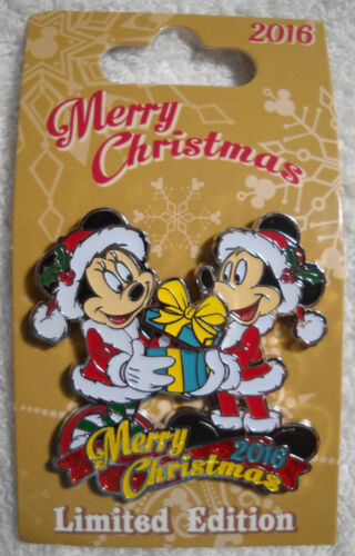 Christmas Day 2016 - Mickey and Minnie Holiday Disney Pin