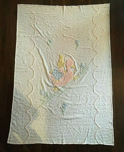 VINTAGE CHENILLE WHITE PINK DUCK & BUNNY DESIGN BABY CRIB SPREAD COVERLET 44X66