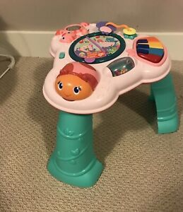 Baby activity table with removable legs