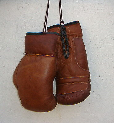 VINTAGE TAN LEATHER BOXING GLOVES - RETRO