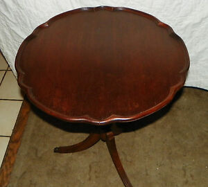Mahogany-Pie-Crust-Duncan-Phyphe-Style-Table-T330
