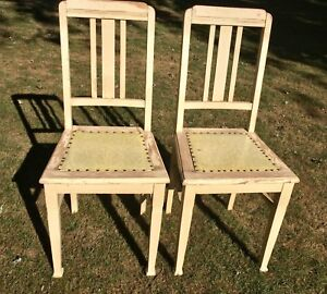 2 Vintage wood chairs pick up in Kingsville