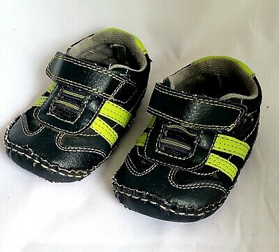 Koala Kids Baby Toddler Boy Size 4 Green and Black Athletic Slip On Shoes