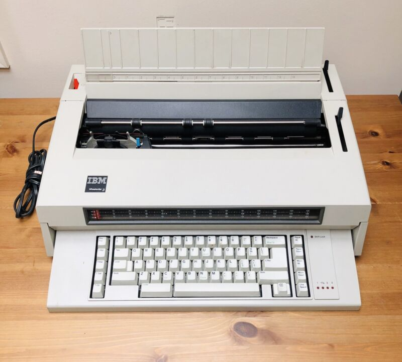 Vintage IBM Wheelwriter 3