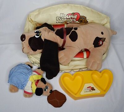 Lot of Vintage Pound Puppies Plush Dogs Inflatable Bed Outfit Clothes Gift Set