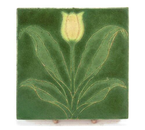 """Grueby Pottery Faience 6""""x6"""" tulip tile Arts & Crafts matte green yellow"""