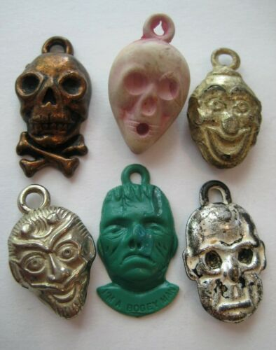 VTG Plastic~Metal Clad SCARY FACES Skull~Devil~Ghoul Gumball Charm Prize Lot