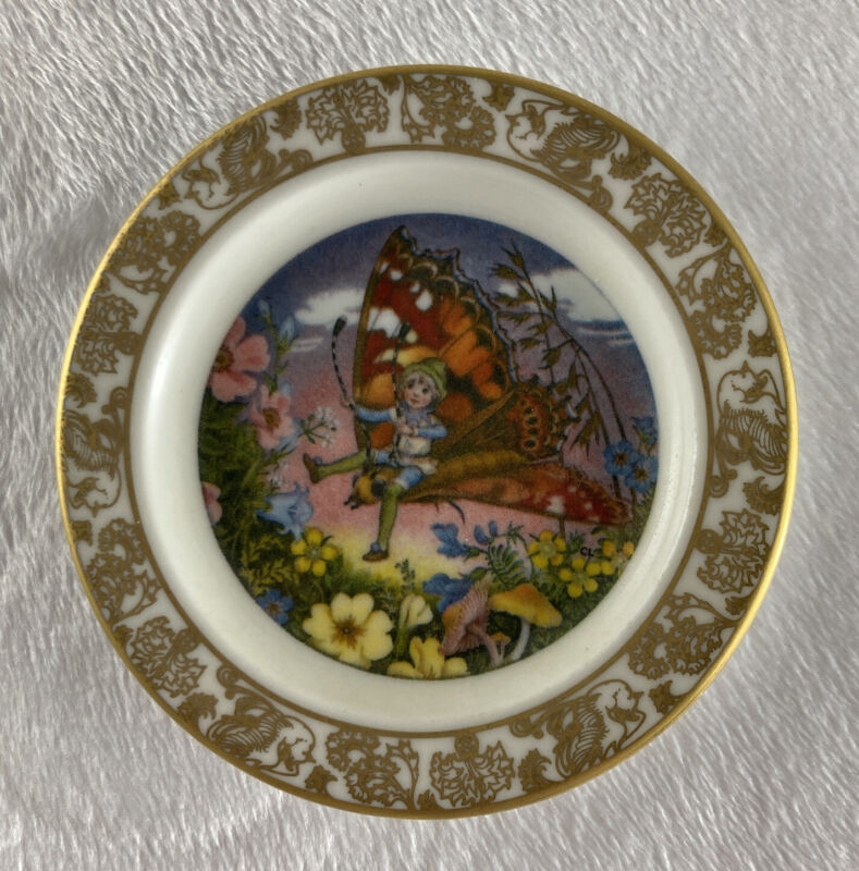 THE HISTORY OF TOM THUMB Mini Plate The Best Loved Fairy Tale Carol Lawson China