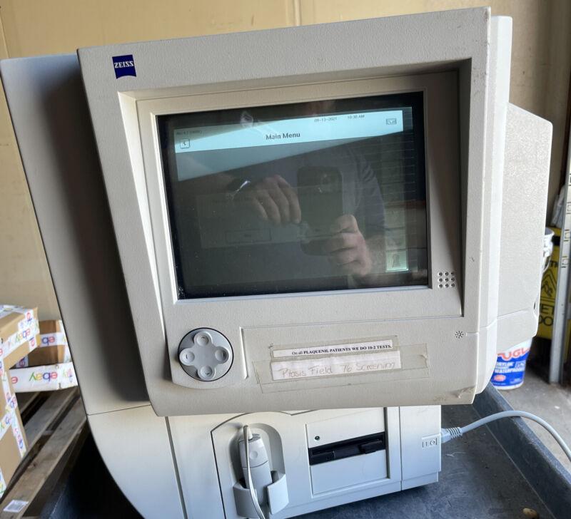 Humphrey Zeiss Visual Field Analyzer HFA 740i
