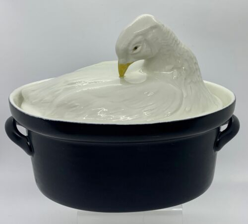 ELEGANT  CARBONE OVAL BLACK AND WHITE CHICKEN CASSEROLE 7 1/4 INCHES