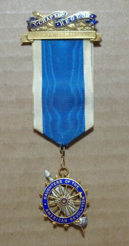 Vintage 14K Gold DAR Daughters of American Revolution Medal and Ribbon, Caldwell