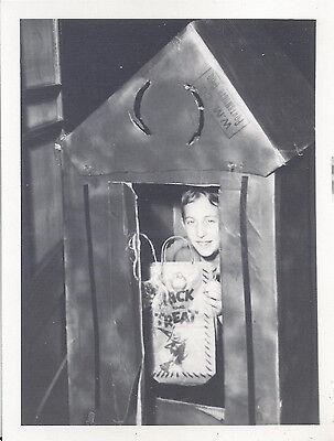 Freaky Halloween Photos (1960s HALLOWEEN SNAPSHOT PHOTO CHILD DRESSED AS AN OUTHOUSE BIZARRE &)