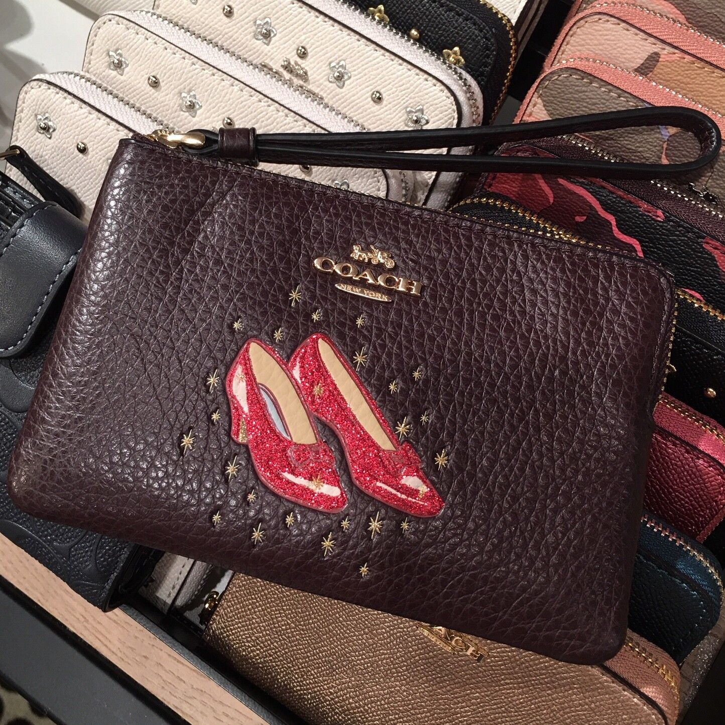 New Coach F58032 F58035 Corner Zip Wristlet With Gift Box New With Tags Wizard Of Oz Oxblood